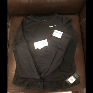 BNWT black Nike shirt & leggings for girl